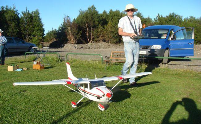 3 Ollis Cessna 23 06